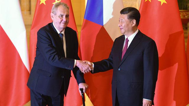 捷克总统齐曼2019访问中国与中国领导人习近平见面。(法新社)