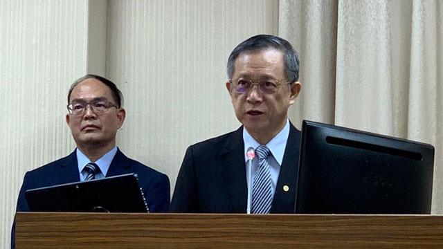 台外交部亚太司长曾瑞利(右)、次长曾厚仁(左)。(记者夏小华摄)