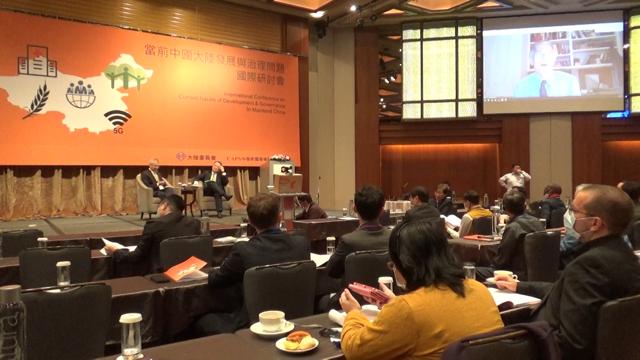 前美国国务院副国务卿史坦伯格(James Steinberg)23日透过视讯参与在台北的研讨会。(记者夏小华摄)