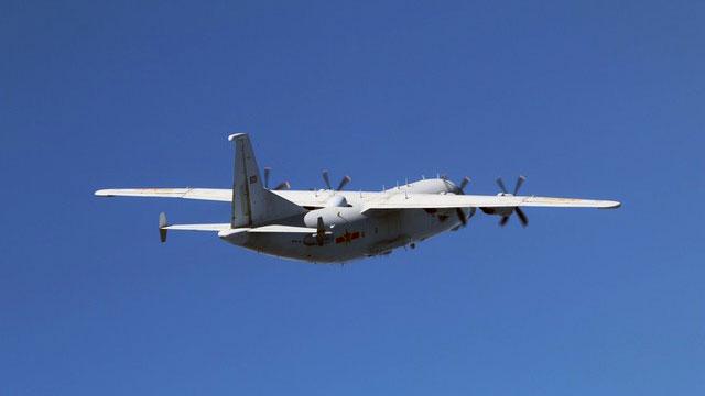 解放军2日运-8技术侦察机扰台。(国防部提供)