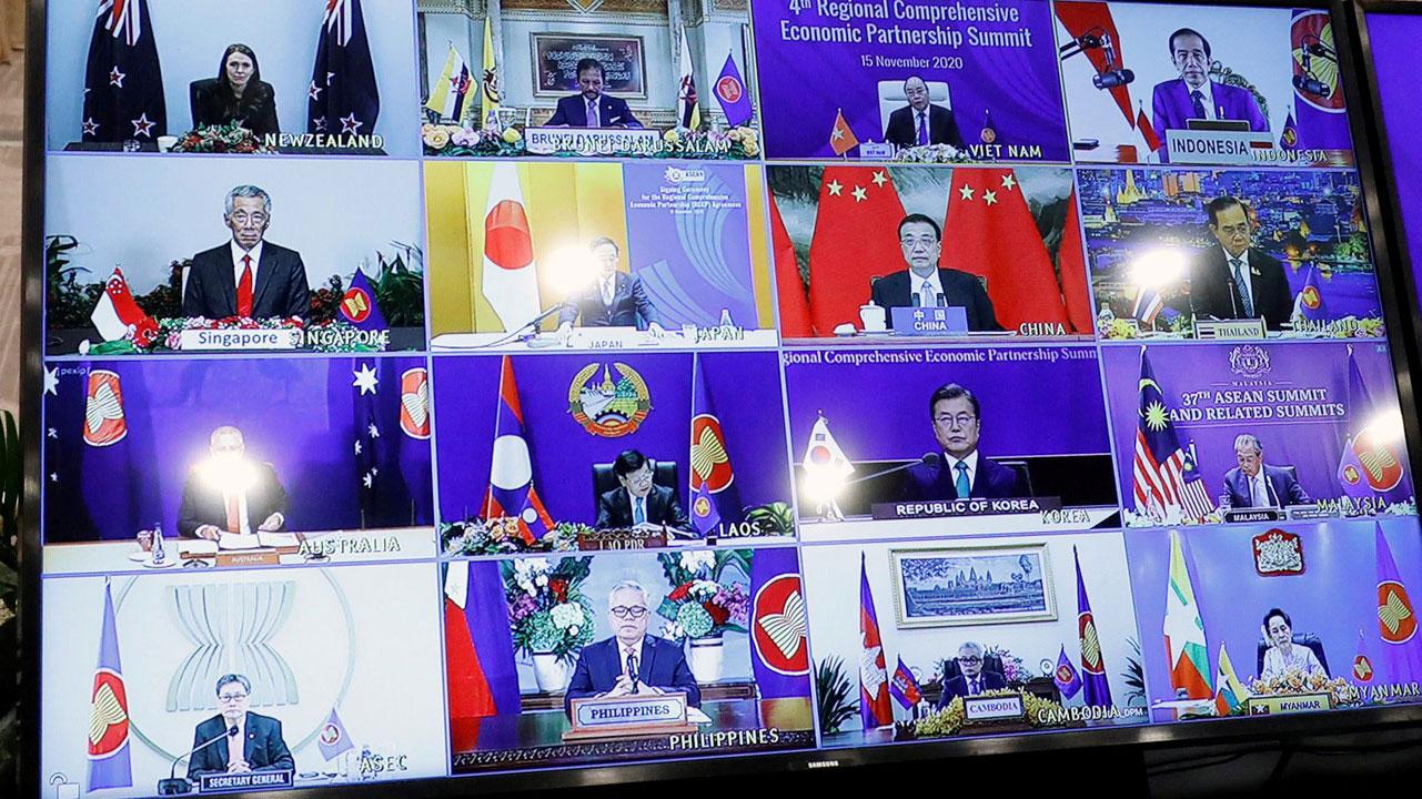 """亚太15国15日在东盟峰会完成签署""""区域全面经济伙伴关系协定(RCEP)""""。(路透社)"""
