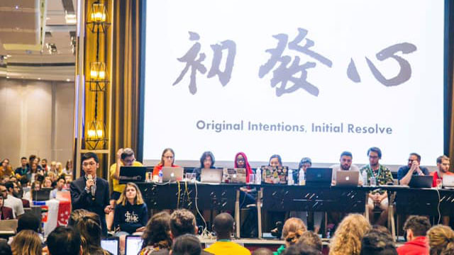 去年世界医学生联盟大会在台湾召开,李柏锦致词。(李柏锦提供)