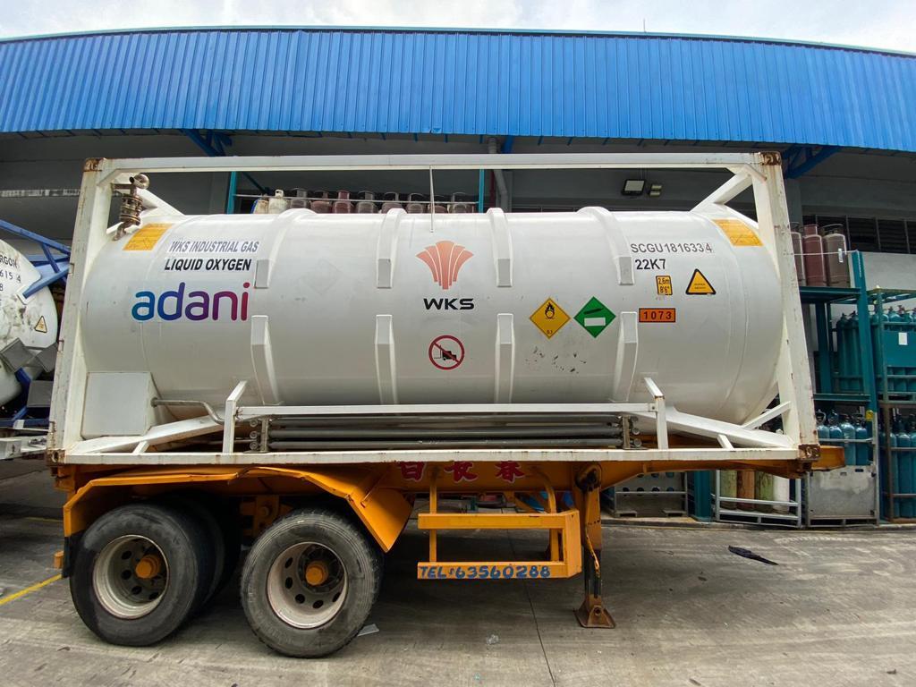 印度台商捐赠市价2千万台币的15个低温储氧槽给印度抗疫。(捐赠单位阿达尼集团提供)