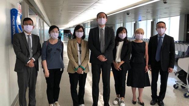 臺灣駐香港辦事處七名官員20日離港返臺。(陸委會提供)