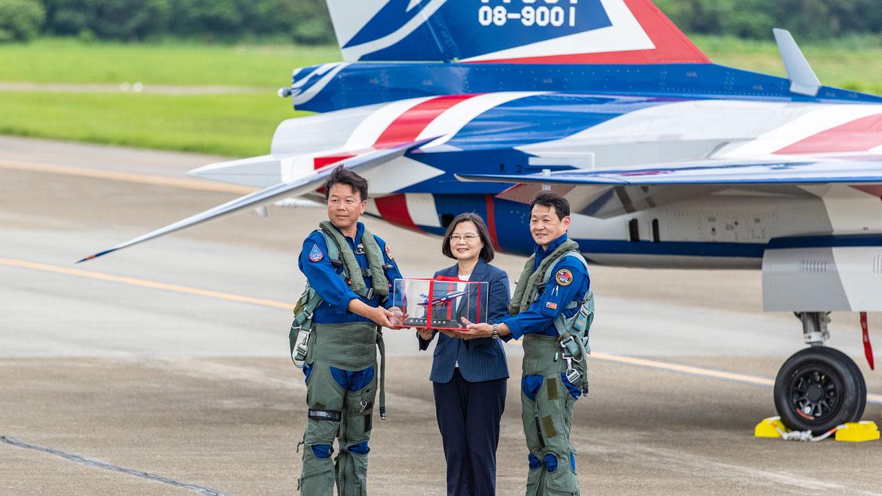 2020年6月22日蔡英文总统见证勇鹰首飞。(国防部军闻社提供)