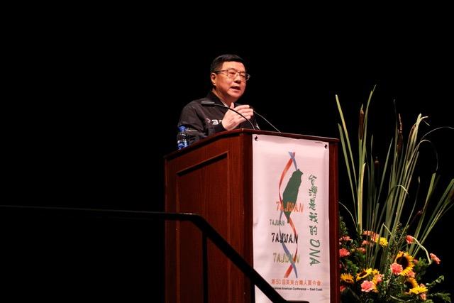 民进党主席卓荣泰在美国向侨胞演讲。(民进党提供)