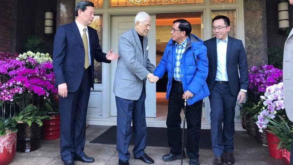 2018年元月陈水扁拜访李登辉并祝贺生日。(陈致中脸书)