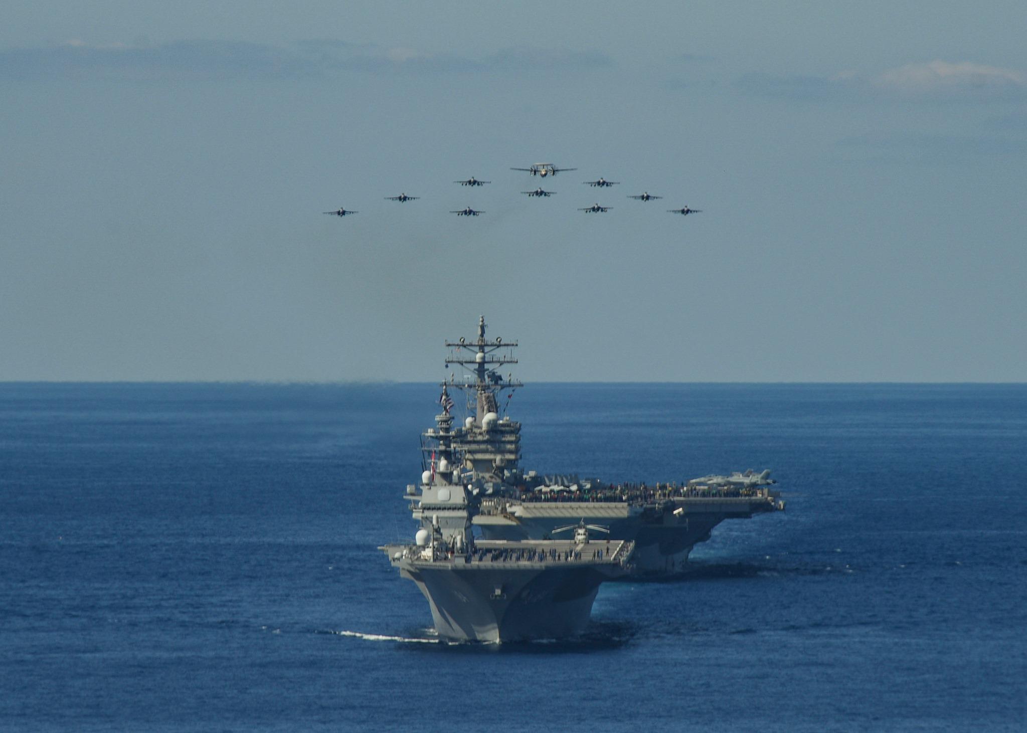 """美国26日起与日本联手进行为期11天的""""锐剑""""军事演习。(图取自facebook.com/ussronaldreagan)"""