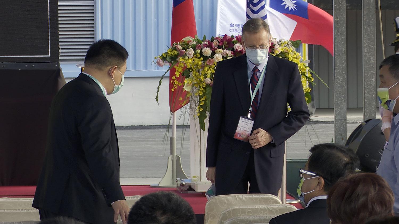美国在台协会台北处长郦英杰现身台湾潜舰国造动工典礼。(记者李宗翰摄)