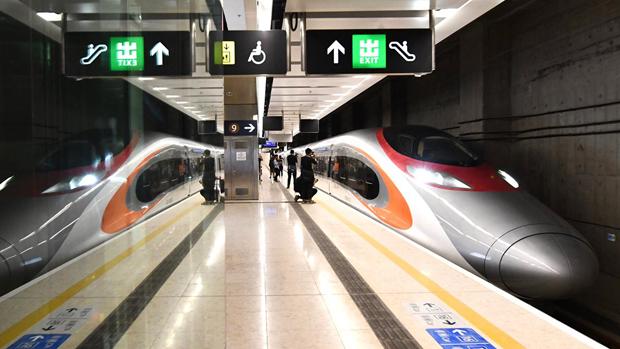 大陆边防人员首次在香港高铁站抓人