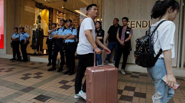 政局不稳,香港再现移民潮。(资料图/美联社)