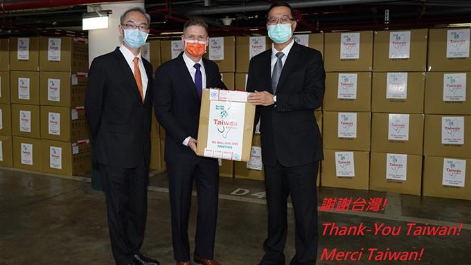 今年四月台湾捐赠加拿大五十万只口罩广受好评,五月中国口罩出现问题后加拿大紧急向台湾订购一千万只口罩。   (台湾外交部)