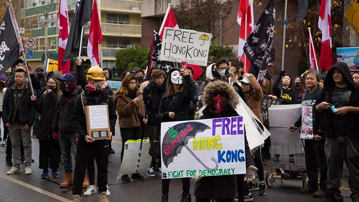"""多伦多""""112求援""""集会活动挺香港民主  (多伦多人撑香港提供)"""
