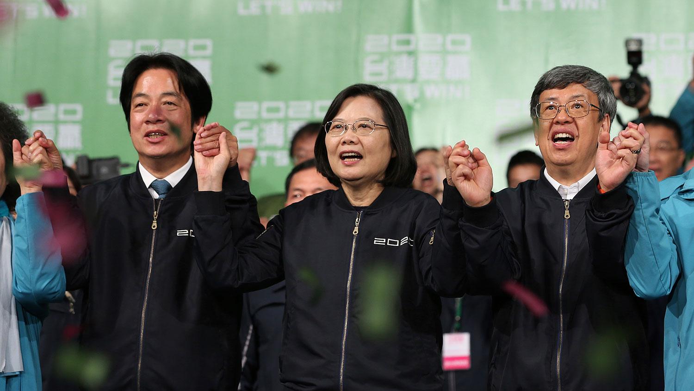 2020年1月11日举行的台湾大选,现任总统蔡英文以高票获胜,成功连任。(美联社)