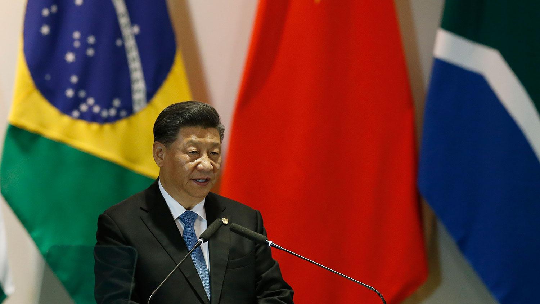 """2019年11月14日,中国国家主席习近平在巴西利亚出席金砖国家领导人会晤时,对香港局势作了明确的表态。他强调""""止暴制乱、恢复秩序是香港当前最紧迫的任务。""""(美联社)"""
