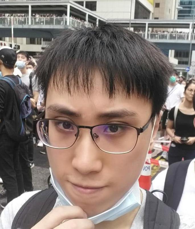 图为受访者,香港大学生戴维在6月12日的示威活动现场 。(戴维提供)