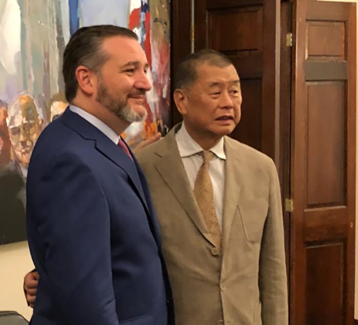 香港壹传媒创办人黎智英2019年7月9日访问美国与联邦参议员鲁比奥合影(黎智英发言人赛门提供)