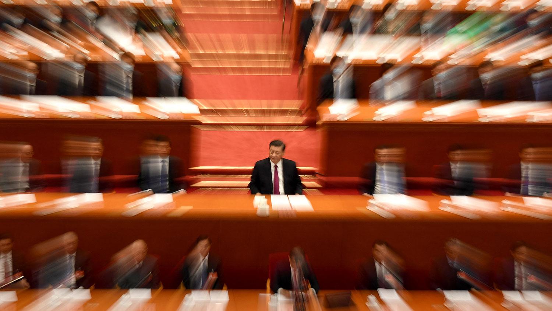 资料图片:2021年3月10日,习近平在北京人民大会堂举行的政协会议(CPPCC)闭幕式上。 (AFP)