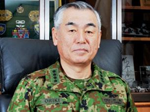 中国海军军舰结束演习途经冲绳附...