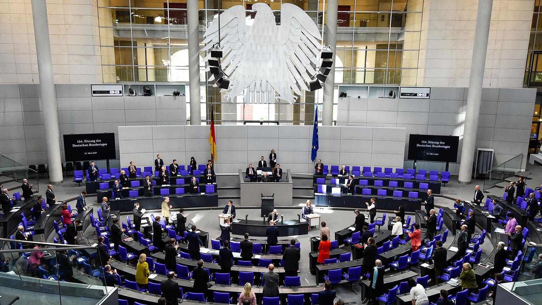 德国外交部在3月就致函政府各部门,外交部收到中方就疫情求赞的要求,他们建议德国官员直接拒绝,指称这样的要求不应该被满足。图为德国联邦议院全体会议厅。(法新社图片)