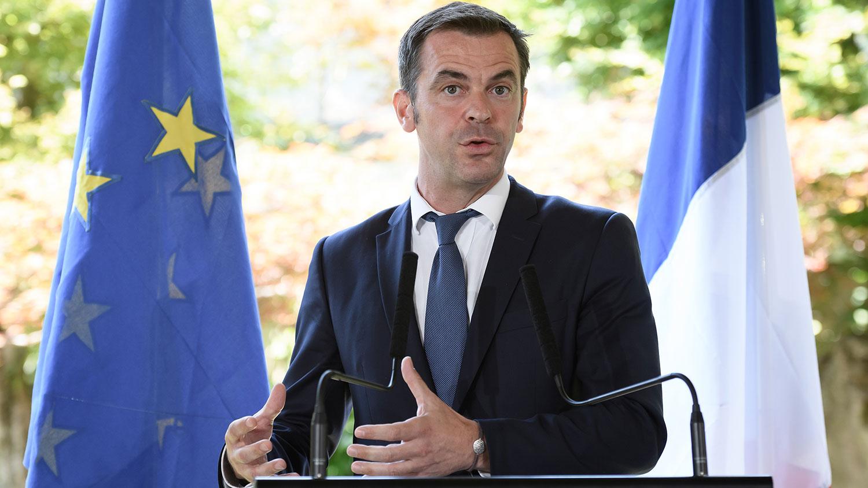 2020年6月25日,法国卫生部长韦杭(Olivier Veran)在日内瓦世界卫生组织举行新闻发布会上发表讲话。(法新社)