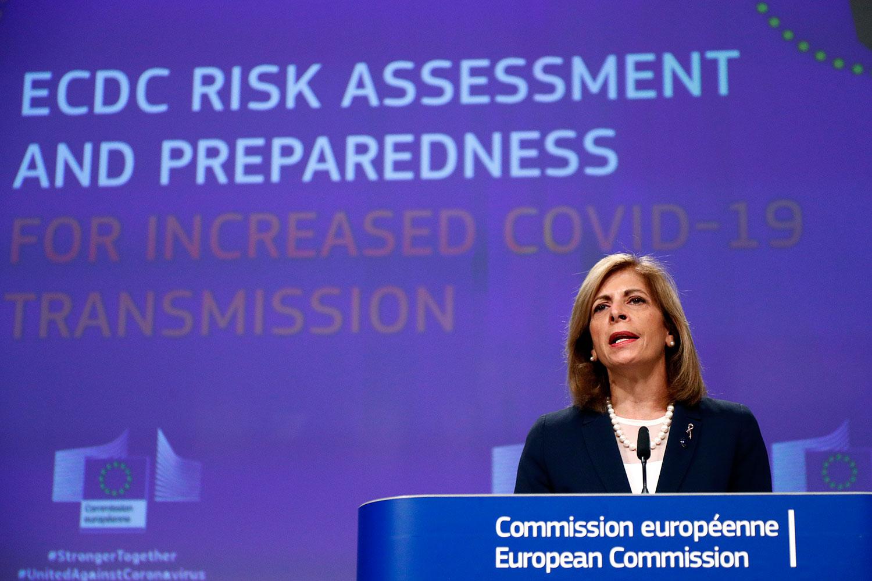 欧盟卫生专员克里亚奇兹(Stella Kyriakides) 警告说,从增加测试和追踪,到增强卫生监测、增加医院接纳容量,所有国家必须在潜在的新疫情初现迹象时立即及时採取措施。 (AP)