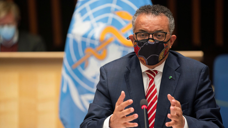2020年10月5日。世卫总干事谭德塞( Tedros Adhanom Ghebreyesus )在会议上指出,对所有人来说,这场大流行病应被视为一记警钟。(路透社图片)