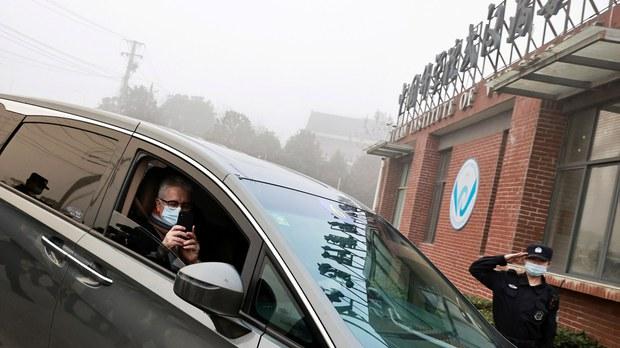 世界卫生组织专家抵达中国武汉病毒研究所开展调查(路透社)
