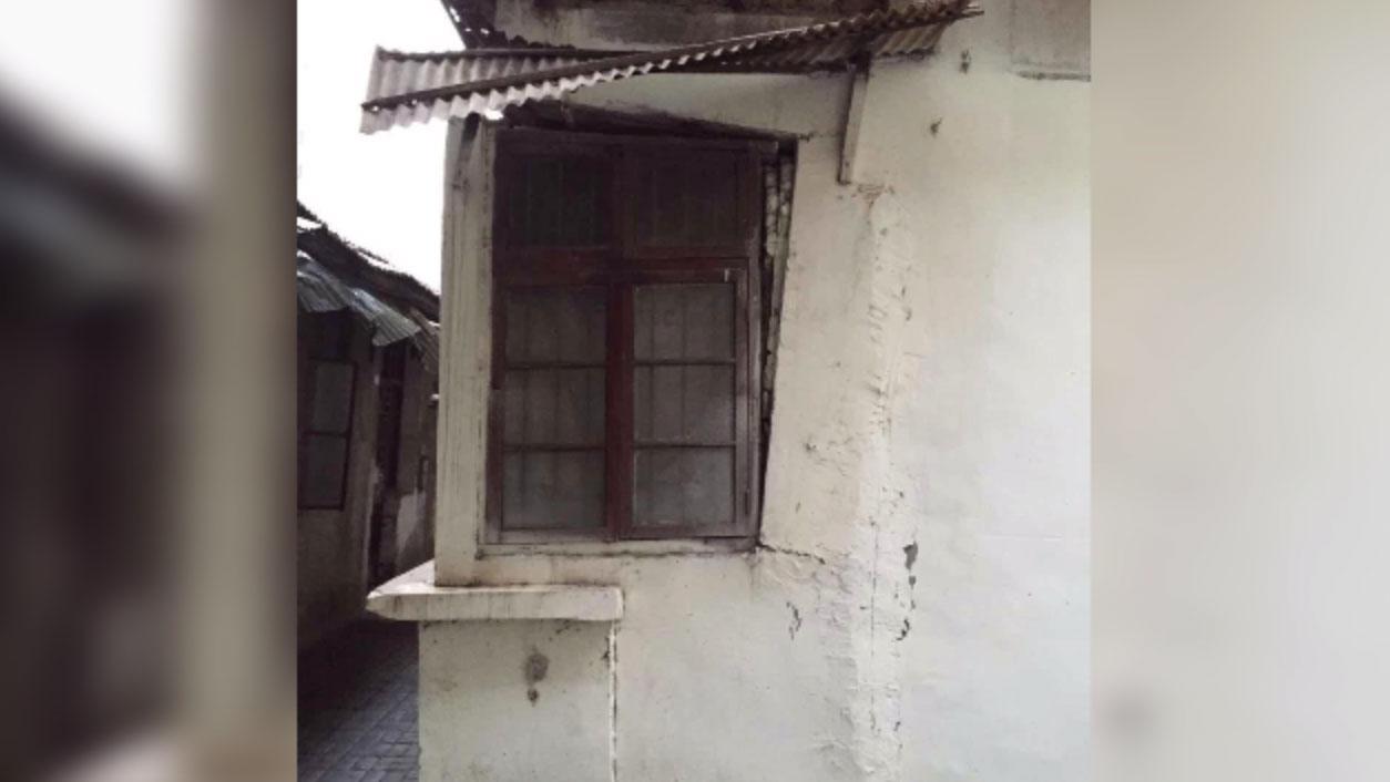 姚青位于汉口江大路的家, 去年因地铁施工严重损毁。(姚青独家提供,拍摄日期不详)