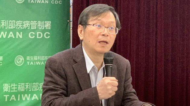 疾管署副署长庄人祥说明台湾最新疫情。(记者黄春梅拍摄)