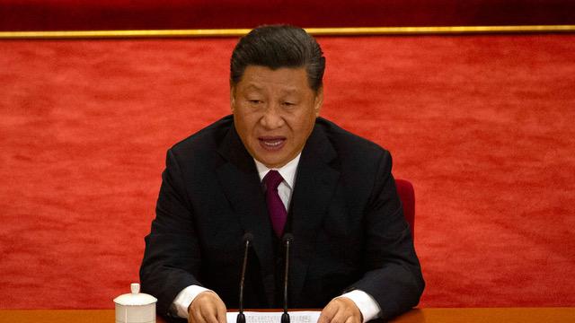 中共中央政治局常委2020年4月8日召开会议。总书记习近平强调,必须为较长时间应对外部环境变化做好准备。(美联社资料图片)