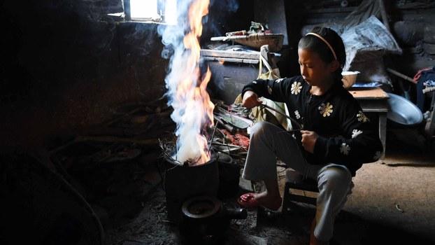 中国的一名失学儿童(法新社资料图片)