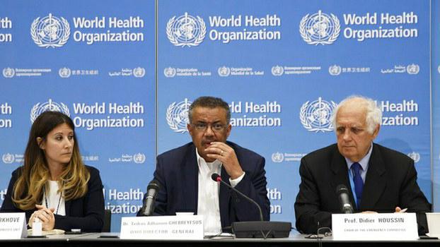 武汉肺炎疫情在全球继续蔓延,病毒传播到了二十多个国家。世界卫生组织1月30日宣布,新型冠状病毒疫情已构成国际关注公共卫生紧急事件。图为世卫总干事谭德塞(Tedros Adhanom Ghebreyesus) (中)。(美联社)