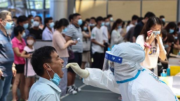 南京本土确诊病例再增47例     8天153例全城人排队等候检测