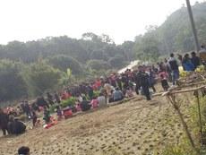 云落镇石示坑村村民堵路抗议建造垃圾焚烧厂2.jpg