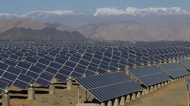 設於新疆哈密的一座太陽能電站(法新社)