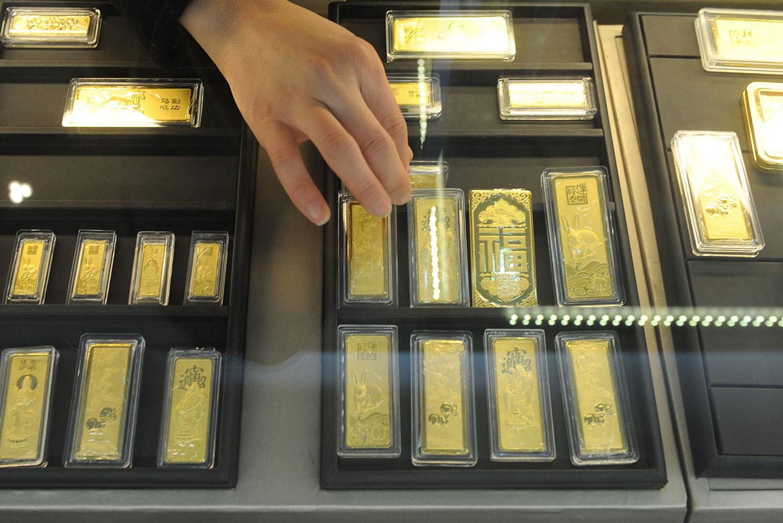由于黄金首饰溢价率较高,所以消费者明显钟情于投资金条。(资料图/法新社)