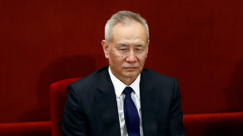 """近期美国对中国采取一系列制裁措施,令中国外贸损失惨重。中国副总理刘鹤不久前提出准备启动""""经济内循环""""。(路透社图片)"""