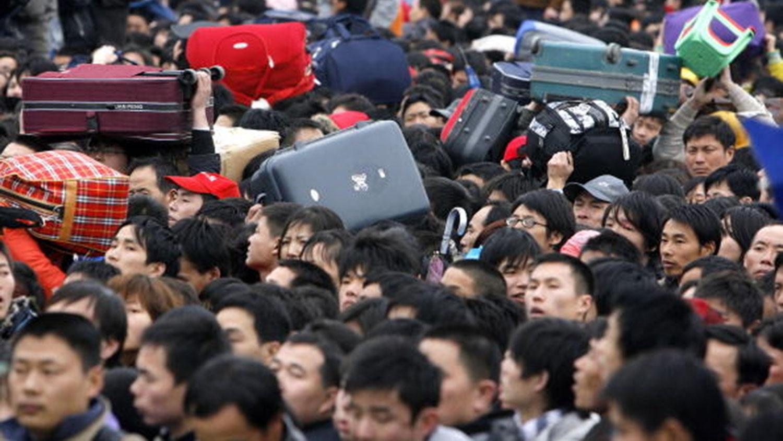 为了全力防范规模性企业裁员,中国国务院发文防范突发群体事件。(资料图/法新社)
