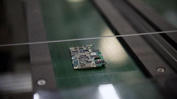 进口芯片短缺涨价潮蔓延 中国部分企业停工