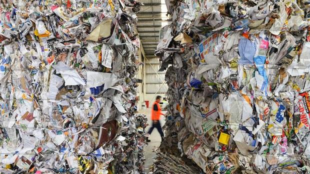 禁止进口废纸五个月  中国纸价格每月上涨(photo:RFA)