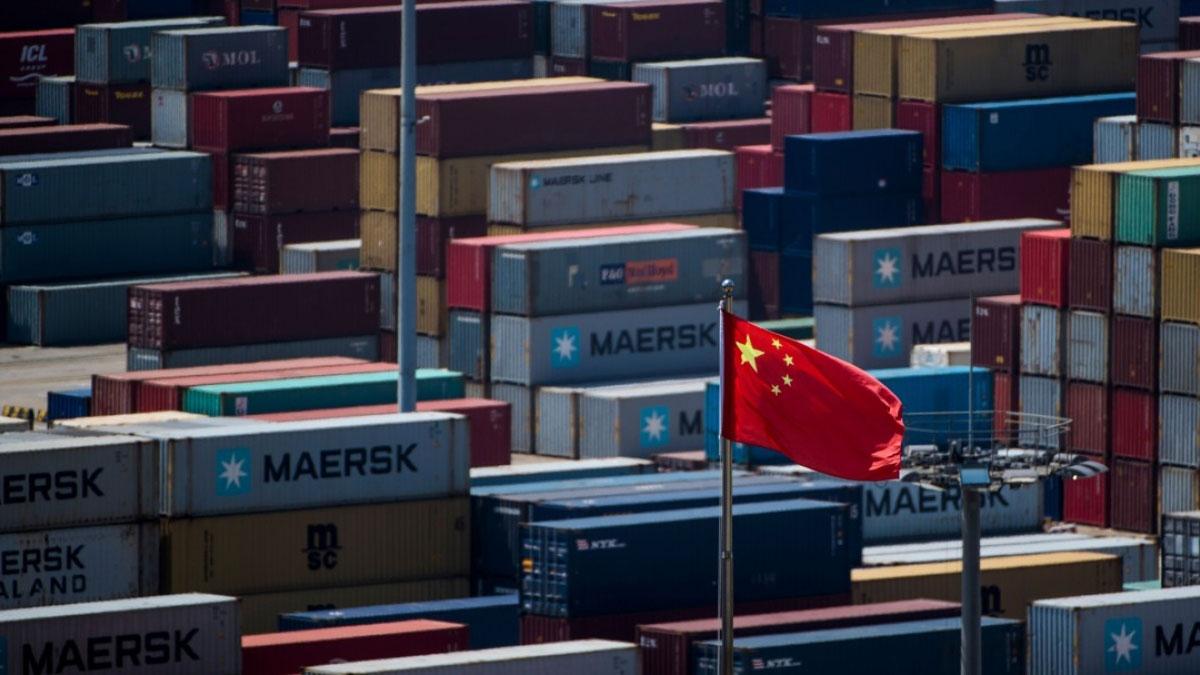 如果美国真的如期扩大中国货关税,智能手机、衣履、玩具等一般消费品都会受其影响。(资料图/法新社)