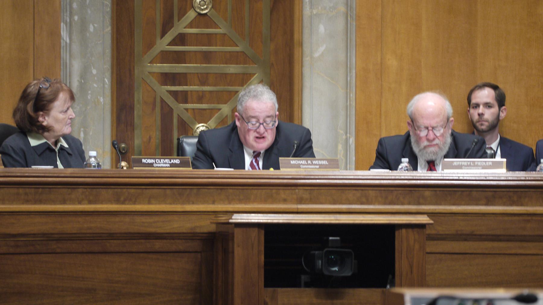美中经济与安全检讨委员会23日召开听证会,关切中资企业在美上市对美国国家安全可能造成的影响。自由亚洲电台记者郑崇生华盛顿摄