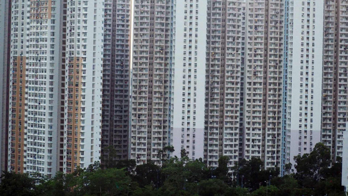 中国深圳的一片民居。因为经济受重创,无法支付房贷而被银行收回的中国房产数量今年陡增。(香港财经时报)