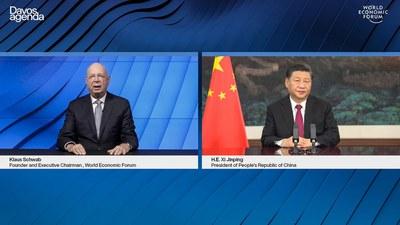 """2021年1月25日,世界经济论坛""""达沃斯议程""""对话会以视频方式举行 。左为,世界经济论坛(WEF)创始人兼执行主席克斯·施瓦布(Klaus Schwab)。"""