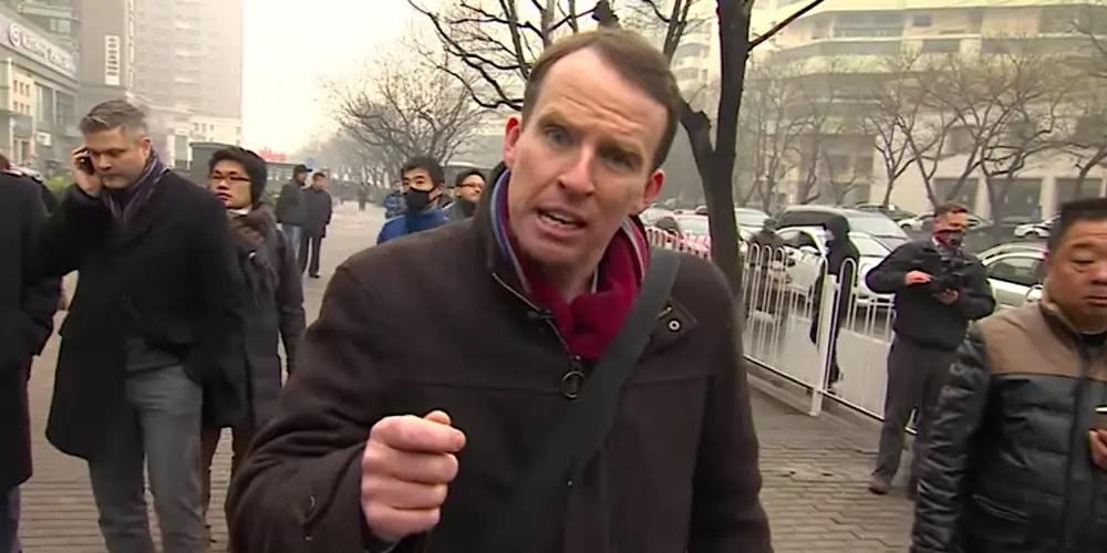 英国广播公司(BBC)驻中国记者沙磊(John Sudworth)。(视频截图/ BBC News/YouTube )