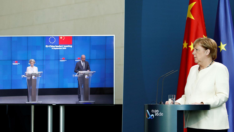 2020年9月14日,歐盟與中國舉行峰會上,德國總理默克爾指出,歐盟對中國施加壓力,以在投資協議方面取得進展。(路透社圖片)