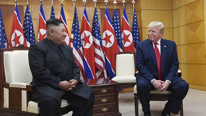 2019年6月30日,美国总统特朗普与朝鲜领导人金正恩在板门店非军事区会晤。(美联社)