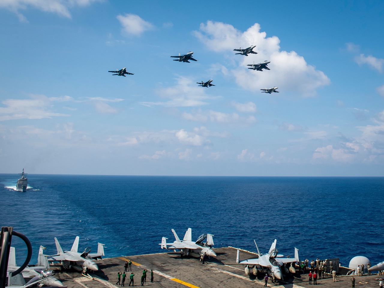美国海军今年四月与马来西亚在南海联合军演。(美国海军脸书)