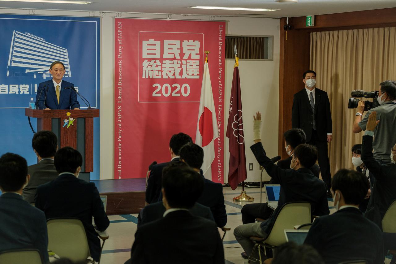 日本內閣官房長官菅義偉14日當選自民黨總裁。(路透社)